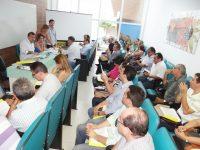 Prefeito Aderilo Alcântara coordenou a reunião (Foto: Alex Santana)